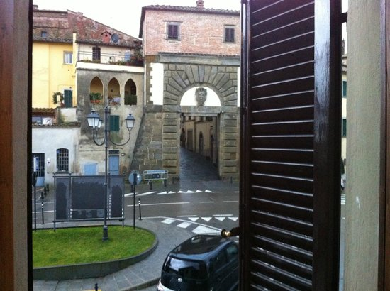 Hotel Sangallo : The view from our window