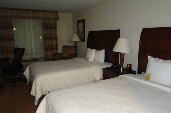 Hilton Garden Inn Savannah Midtown: Bed