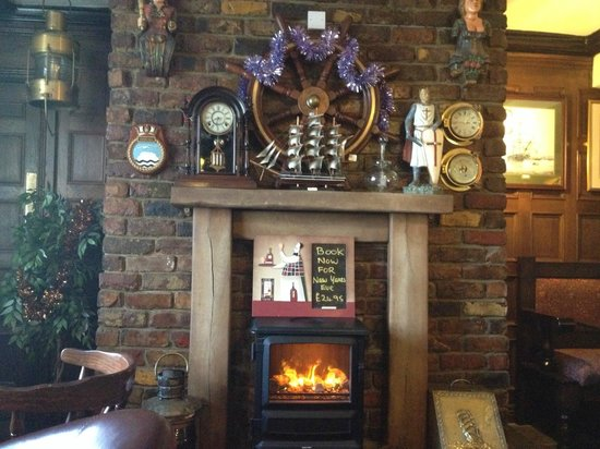 The Olde Ships Inn: Warm and Inviting
