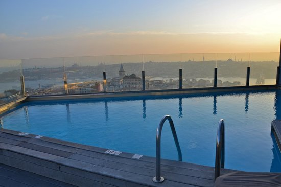 The Marmara Pera Hotel: the pool on the roof terrace