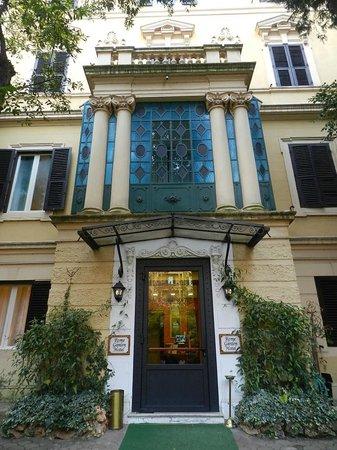 Rome Garden Hotel: Entrée de l'hotel