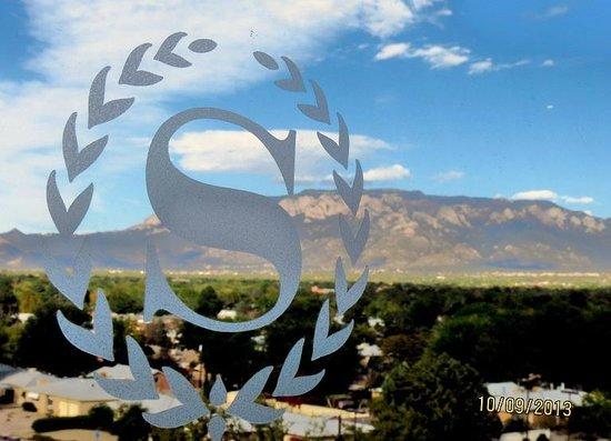 Sheraton Albuquerque Uptown: Mountain Backdrop