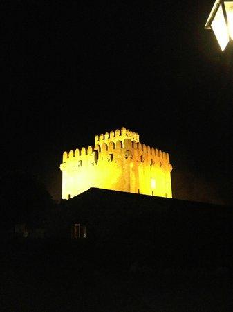Restaurante Porxada de Sa Torre: Torre by night