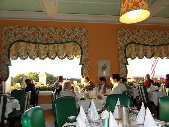 Grand Hotel: ダイニングルーム