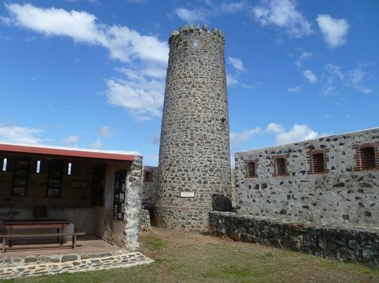 La Foa, Kaledonia Baru: La tour