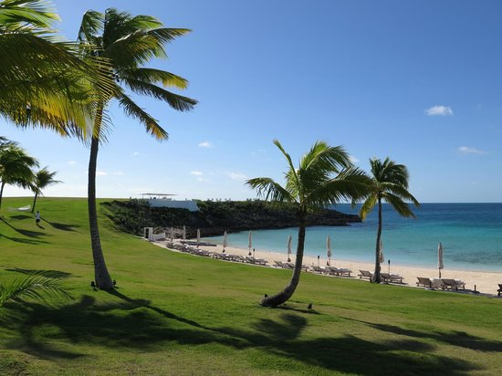 The Cove Eleuthera: The beach and the Bluff bar