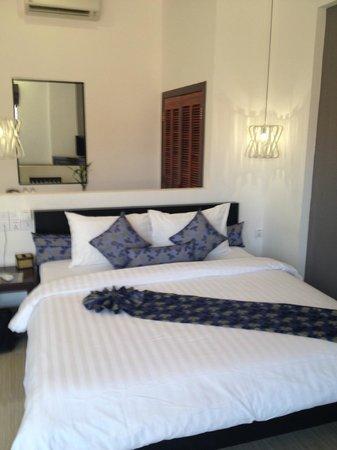 Central Boutique Angkor Hotel: Bed