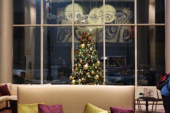 Fairfield Inn & Suites New York Midtown Manhattan/Penn Station : Hotel Lobby