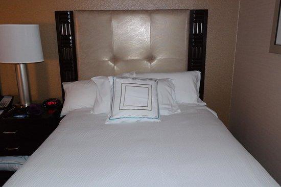 Fairfield Inn & Suites New York Midtown Manhattan/Penn Station: Bed