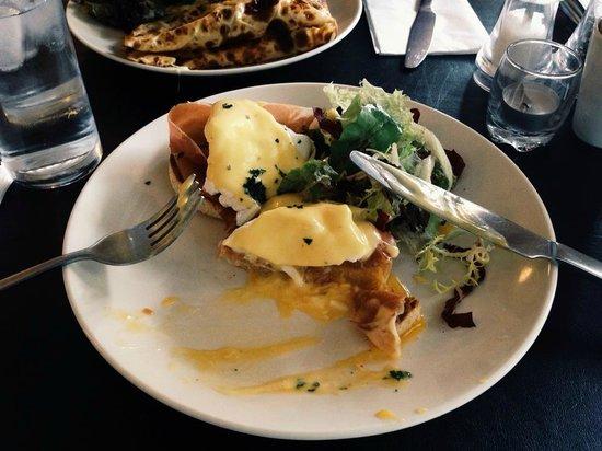 The Primrose Eatery: Eggs Benedict