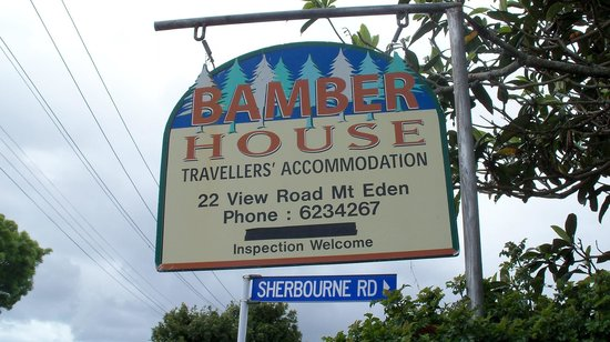 Bamber House Hostel: Bamber House welcome sign