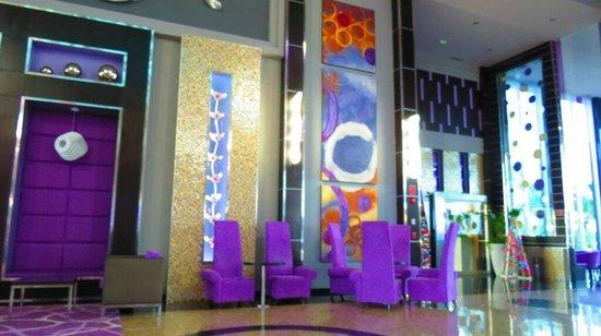 Hotel Riu Palace Peninsula: a bit gaudy