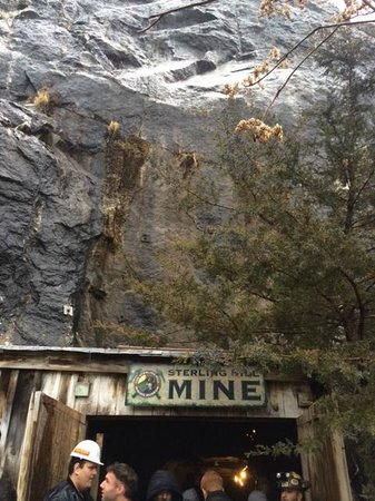 Sterling Hill Mining Museum: mine entrance