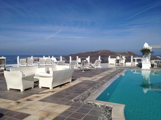 Rocabella Santorini Hotel & Spa: Upper Pool - post wedding
