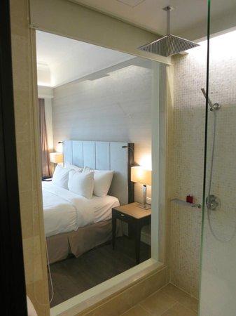 The Elizabeth Hotel by Far East Hospitality: Bathroom
