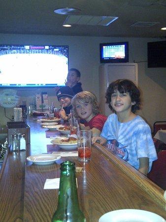 Pal's Restaurant: Dinner with The Boys