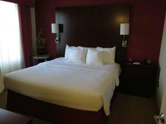 Residence Inn Toledo Maumee : 1bed room