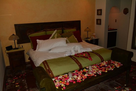 La Casa de Don Pedro: la Habitacion... decorada romanticamente