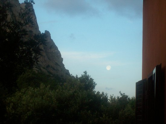 Agriturismo Murualvata : ONLY THE MOON AT 5.00 A.M.