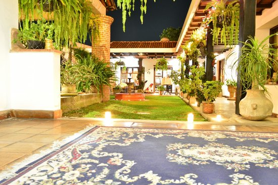 La Casa de Don Pedro: la vista desde la entrada del hotel...