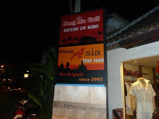 Sang Ria Grill Bali: Heerlijk eten, zowel boven als beneden.