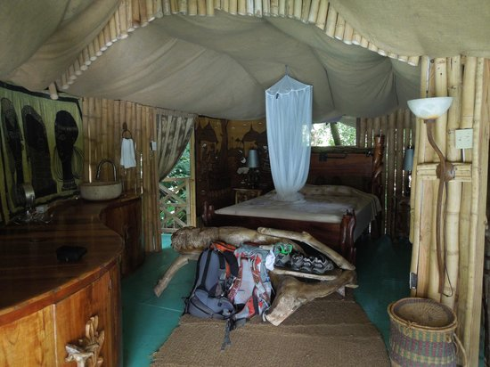 Great Huts : Bed in Fig Tree hut
