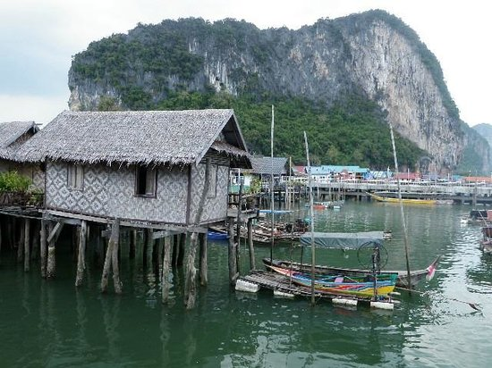 Orchidacea Resort : Village on stilts in the sea