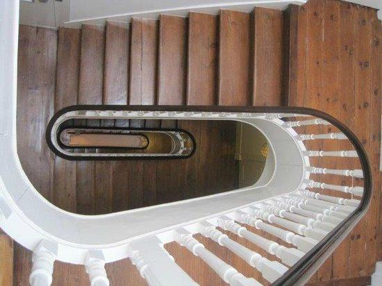 Sao Domingos Apartments: Escalera. No hay ascensor.