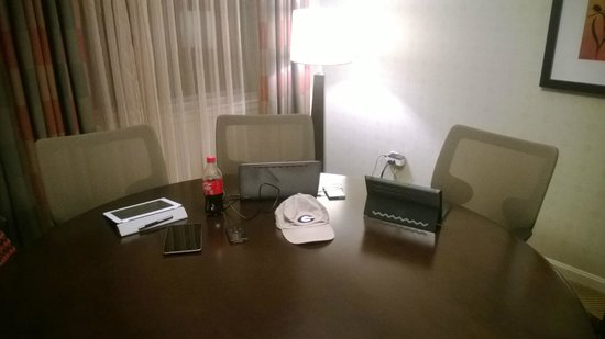 Hilton Alexandria Old Town: Business Suite table - my command central