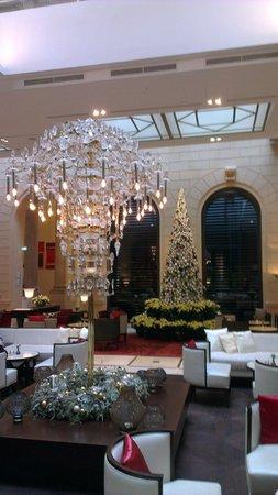 Palais Hansen Kempinski Vienna: Foyer of hotel