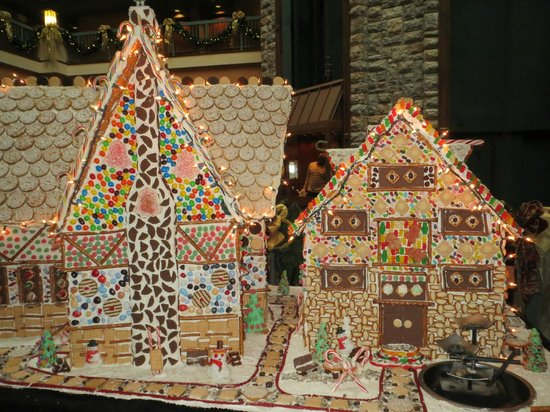 Chateau on the Lake Resort & Spa: Gingerbread house