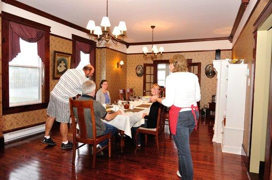 Captain Blackmore's Heritage Manor: breakfast