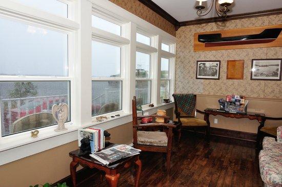 Captain Blackmore's Heritage Manor: nice sitting room
