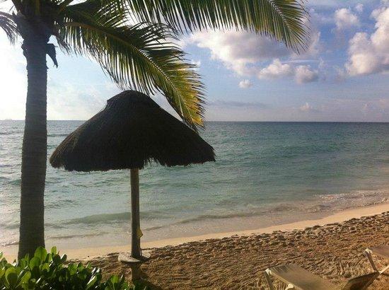 Mahekal Beach Resort: View at breakfast