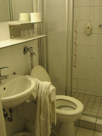 Imperial Hotel: Bagno