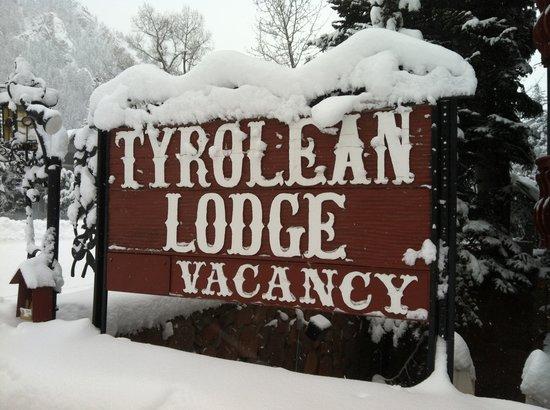 Tyrolean Lodge: Phenomenal snow