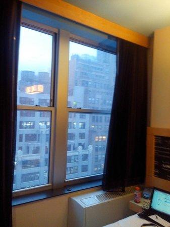 TRYP HOTEL NYC - Times Square South by Wyndham : vista do quarto