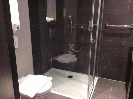 Hotel Golden Tulip Amsterdam West : shower
