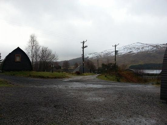 Strathfillan Wigwams: gorgeous back drop mountains