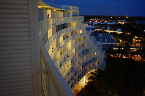Grand Lucayan, Bahamas: Balcony view of viewing from the balconies.
