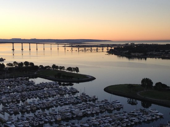 Manchester Grand Hyatt San Diego : view from room at sunrise