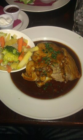The Front Door Sonny's Bar and Restaurant: Roast of the day (Lamb)