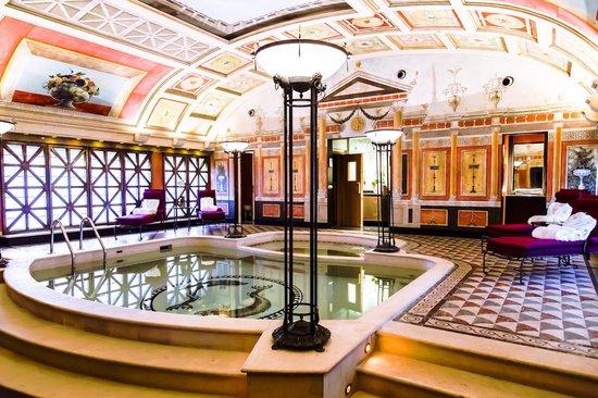 Piscina privata all 39 interno della suite presidenziale picture of hotel principe di savoia - Hotel con piscina milano ...