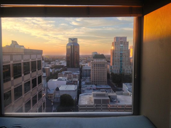Sheraton Grand Sacramento Hotel: Room with a View
