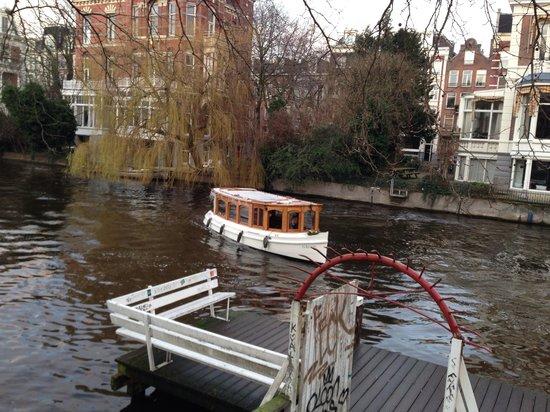 Conservatorium Hotel: Ballade en bateau privé. Unique