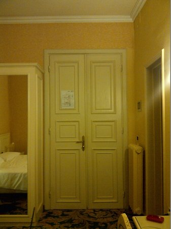 "Hotel Universo : A ""Comfort Double"" room"