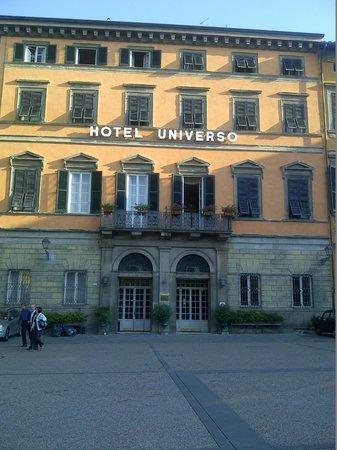 Hotel Universo : The Hotel entrance