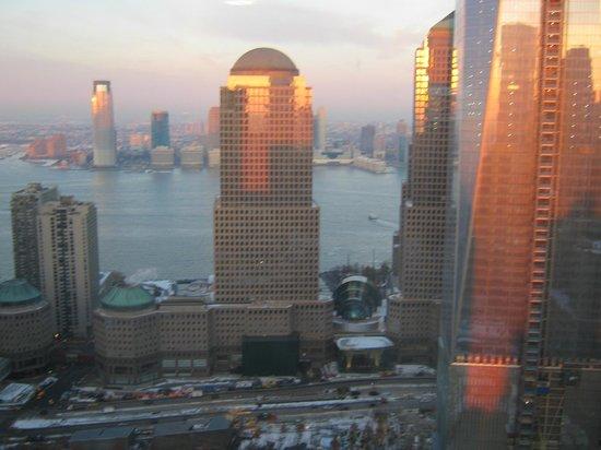 Millenium Hilton: sunrise from room 5008