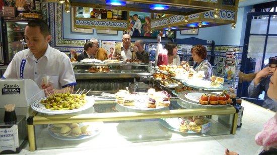 Cafe Bar Bilbao: Cafe Bilbao Theke