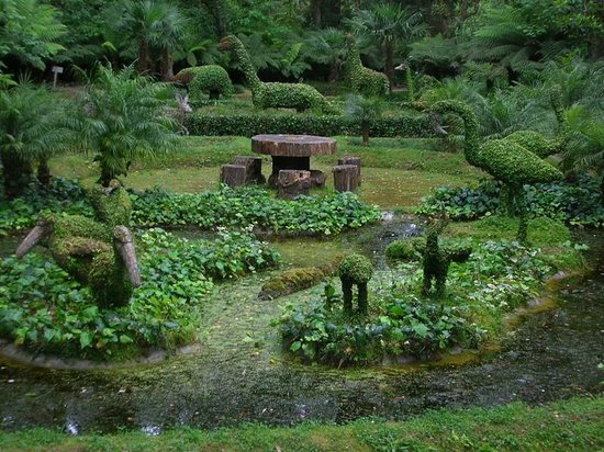 Terra Nostra Gardens: jardim esculturas